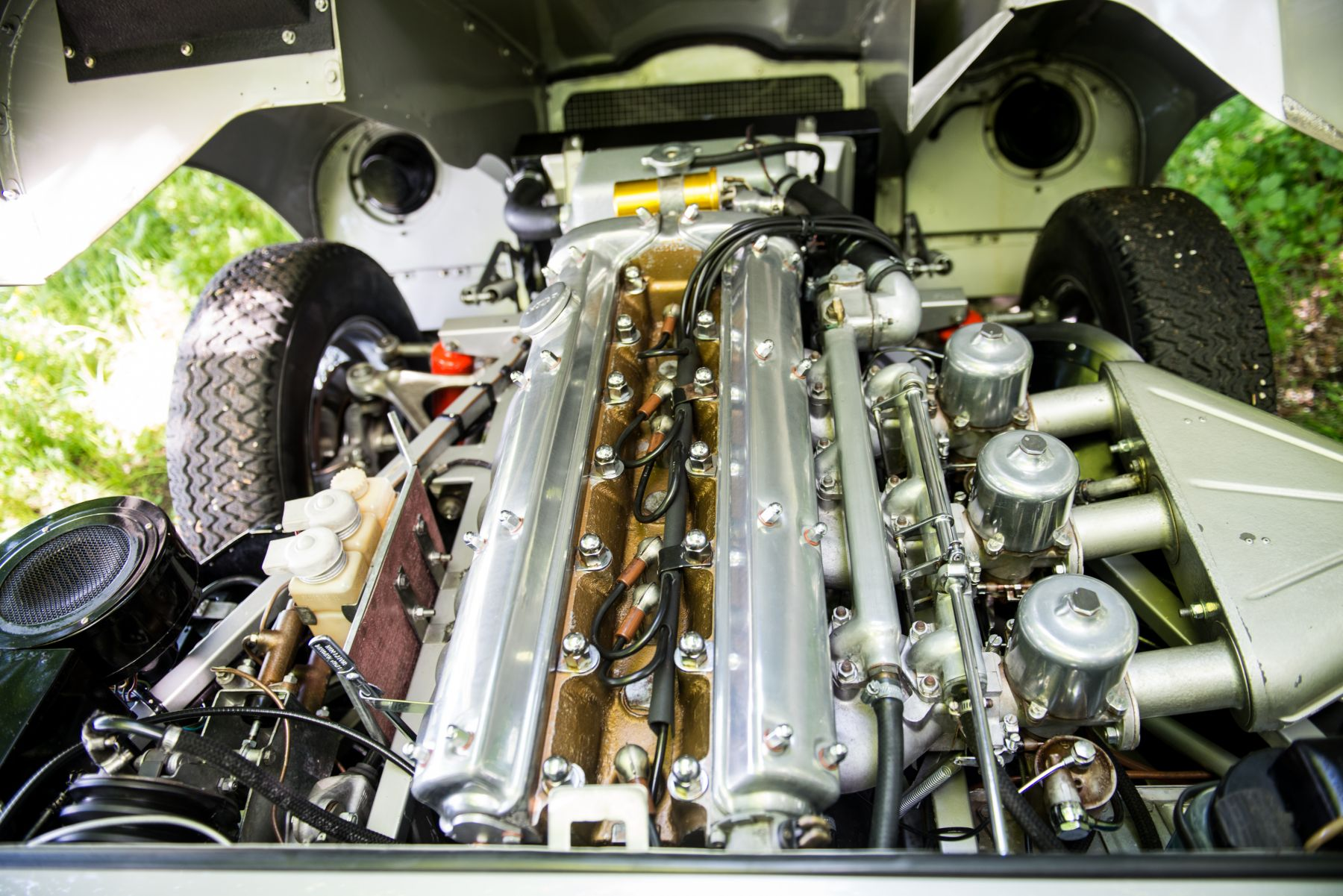 Jaguar E-type 3.8 Open Two Seater 1962 engine