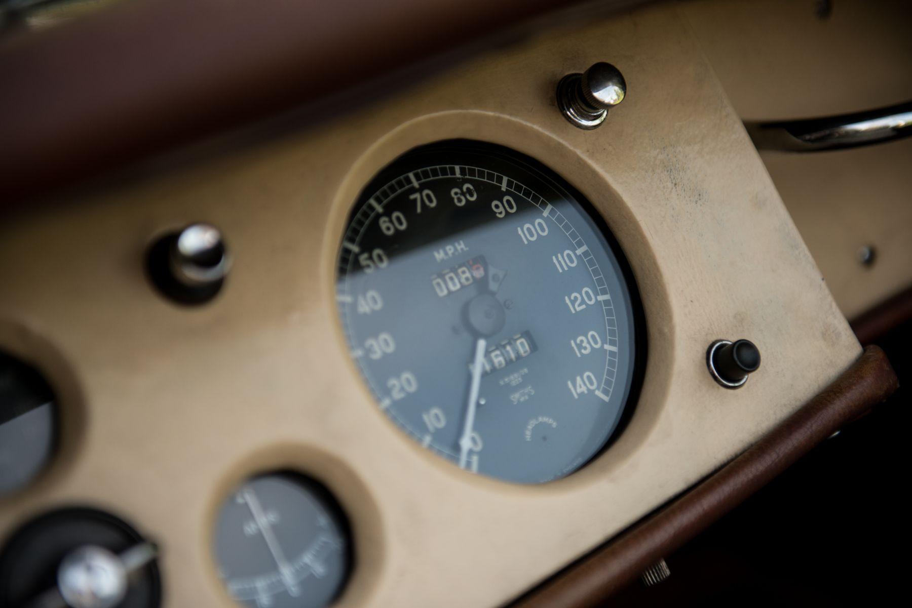 Jaguar XK120 Open Two Seater 1952 interior