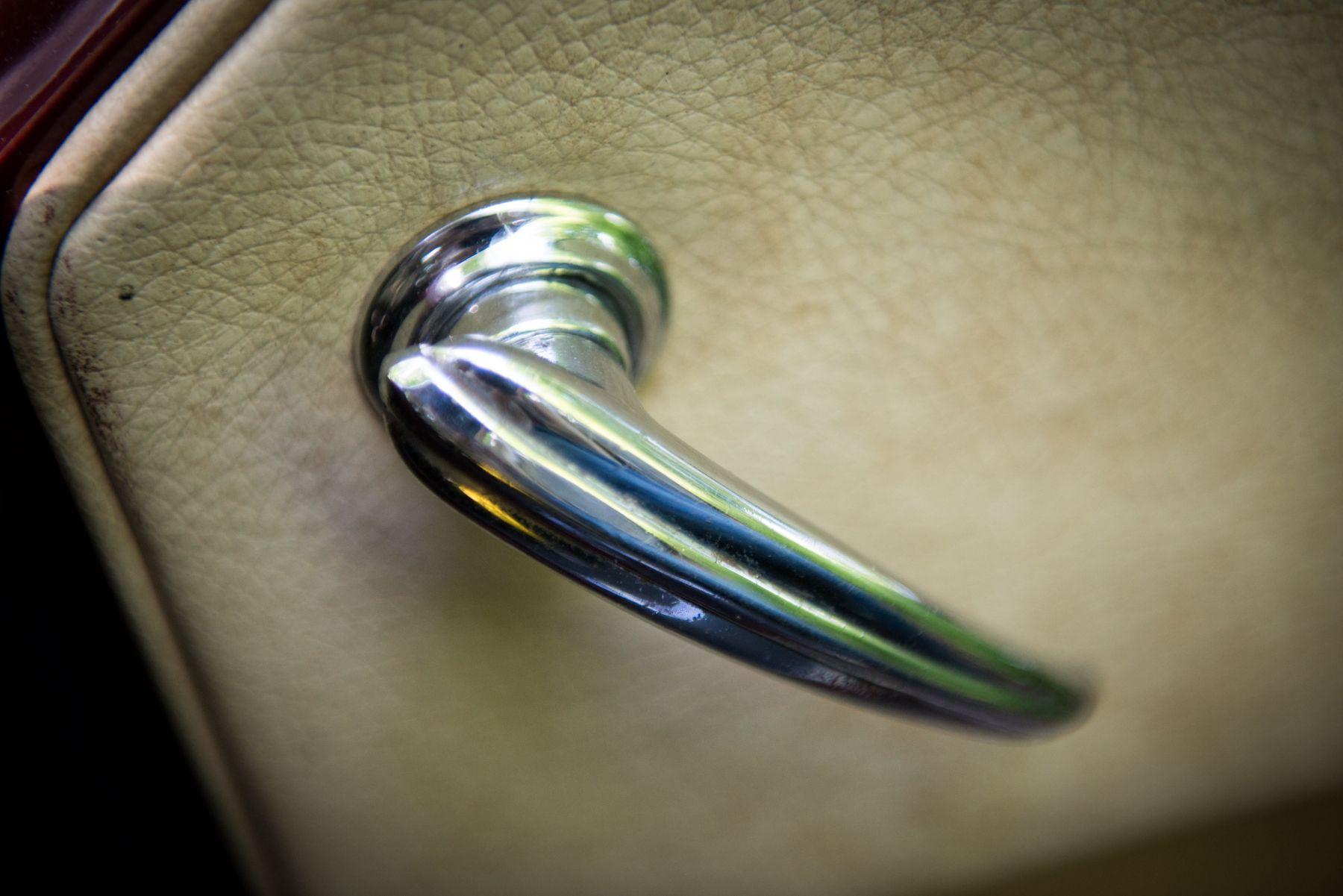 Aston Martin DB MKIII 1958 interior