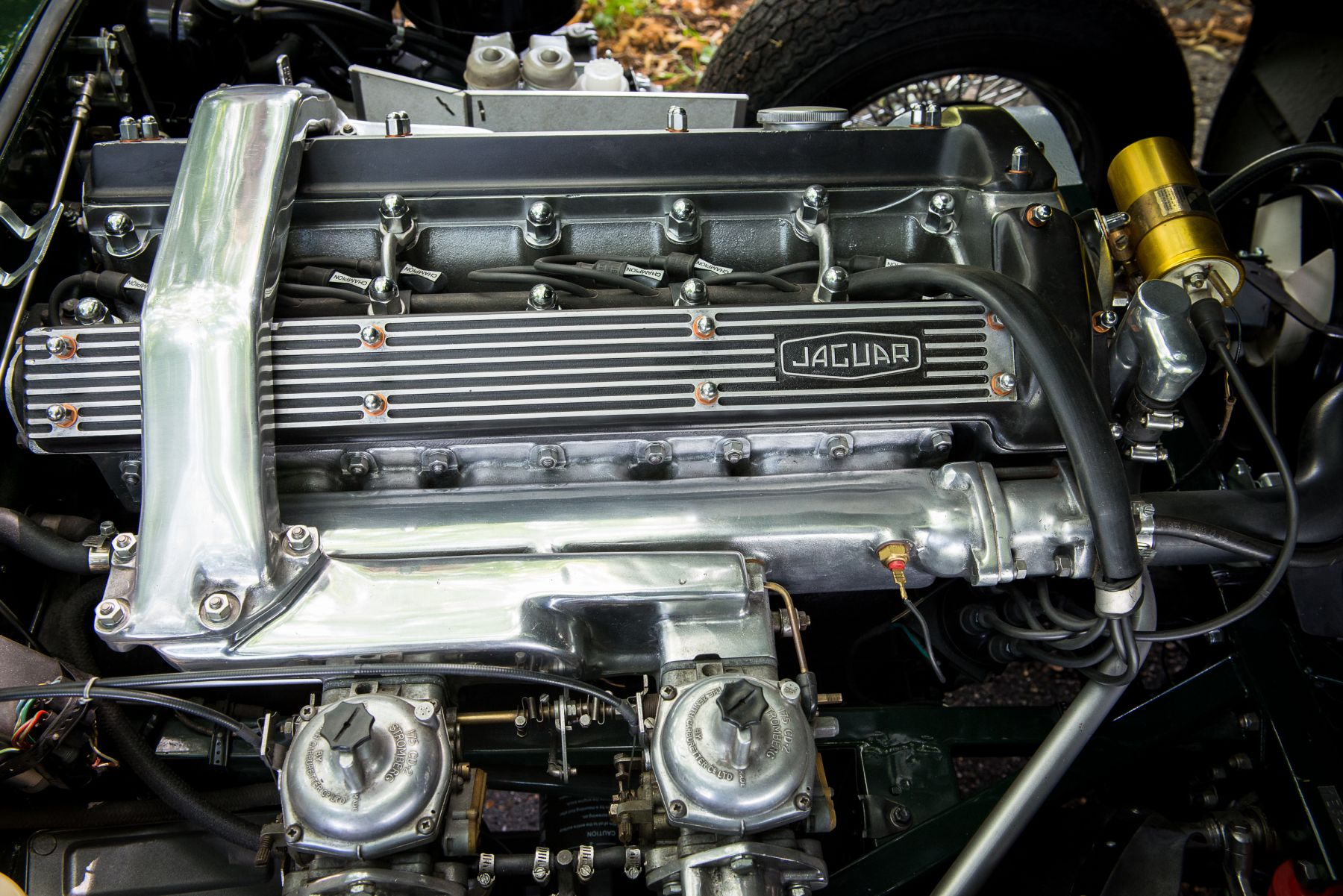 Jaguar E-type 4.2 Fixed Head Coupe 1967 engine matching numbers