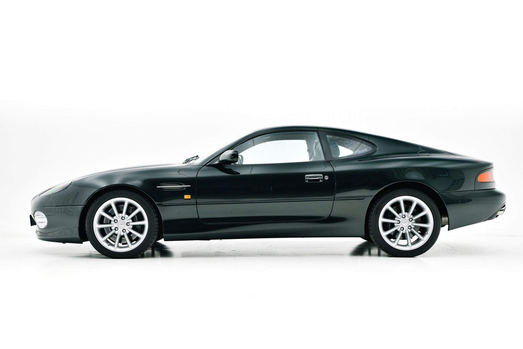 Aston Martin Db7 V12 For Sale Brooks Classics Klassiekers Youngtimers
